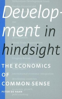 Development in Hindsight - De Haan, Peter